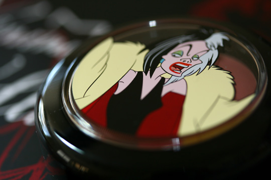 mac venomous villains review swatches photos cruella de vil powder blush darkly my dear closed