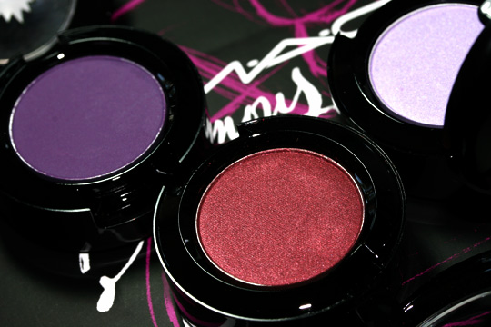 mac venomous villains review swatches photos evil queen eyeshadows open