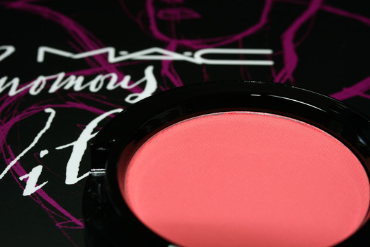 mac venomous villains review swatches photos evil queen powder blush bite of an apple open