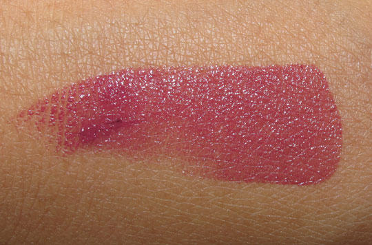 hourglass femme rouge lipstick review swatch