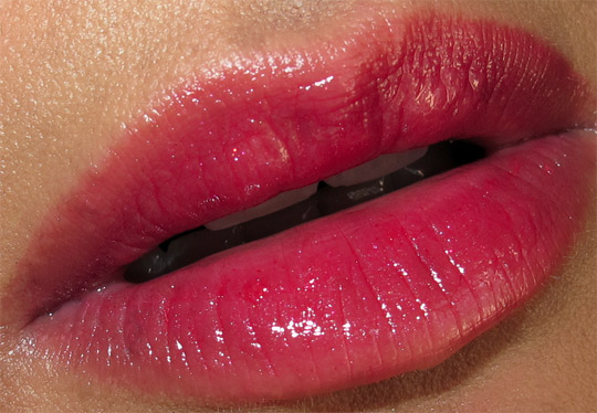 mac venomous villains swatches photos fotd cruella lips