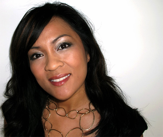 karen from makeup and beauty blog wearing dior holiday 2010 endless shine 529 2