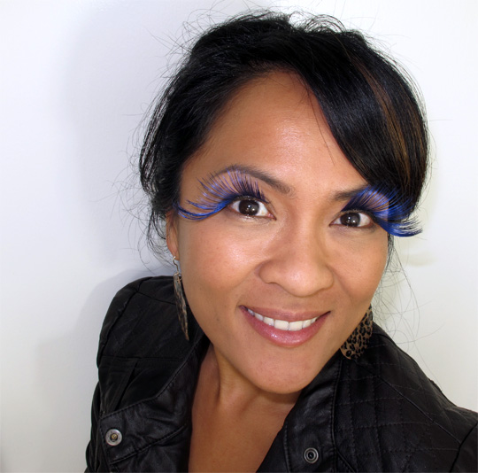 karen from makeup and beauty blog wearing nyx special effects lashes in midnight walts