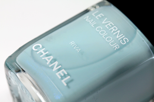 chanel riva le vernis nail colour review swatches photos