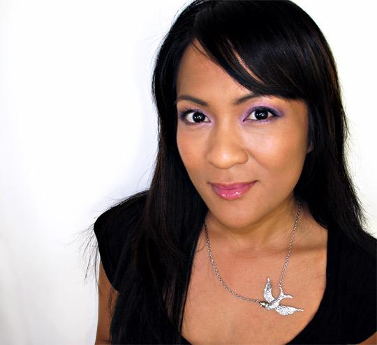 karen of makeup and beauty blog reviews becca jewel dust 2