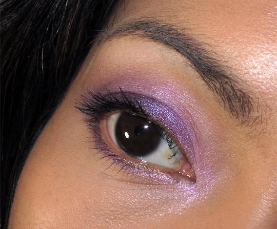 karen of makeup and beauty blog reviews becca jewel dust eye closeup