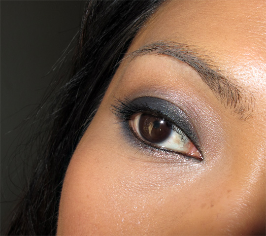 karen of makeup and beauty blog wearing the urban decay black palette eye closeup