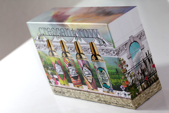 Benefit Crescent Row Coffret Set box