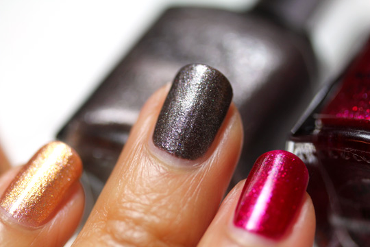 Sonia Kashuk Reach For the Stars Nail Trio Holiday Set swatches gray