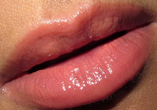 chanel genie rouge allure extrait de gloss lip swatch