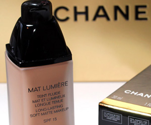 Chanel Mat Lumiere Soft Matte Makeup with SPF 15