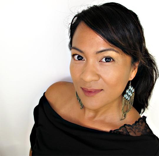 karen of makeup and beauty blog reviews urban decay greed eyeshadow primer potion