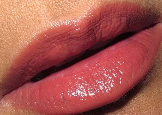 mac kissable lipcolour temper tantra swatch