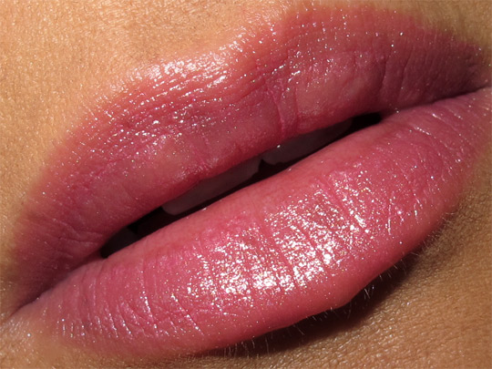 dolce gabbana secret garden collection swatches Shine Lipstick in Love