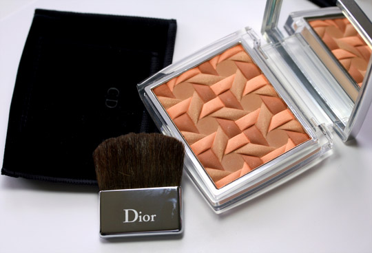 dior nude glow sunset with brush