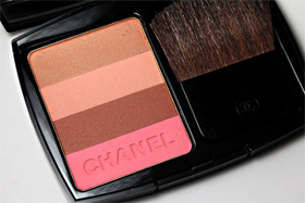 Chanel Bronzing Powder in Bronze Rose