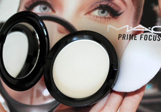 mac prep prime transparent finishing powder pressed open