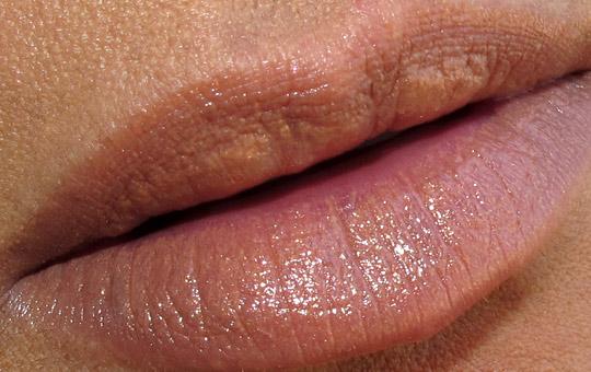dolce & gabbana almond lipstick