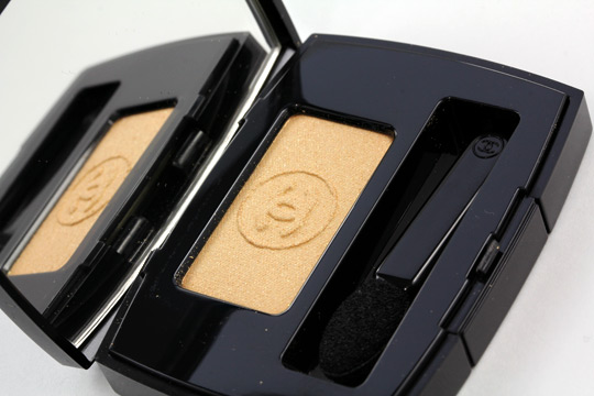chanel blazing gold eyeshadow