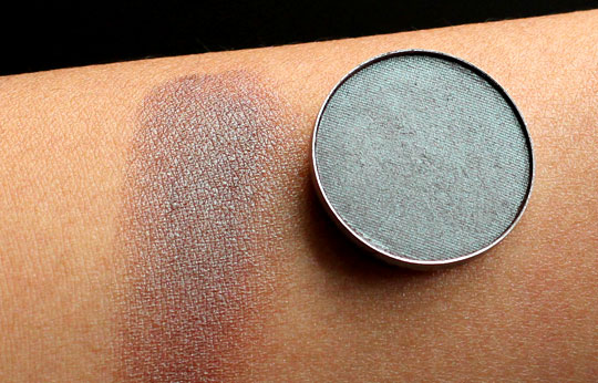mac club eyeshadow (1)