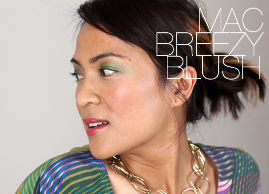 MAC breezy blush