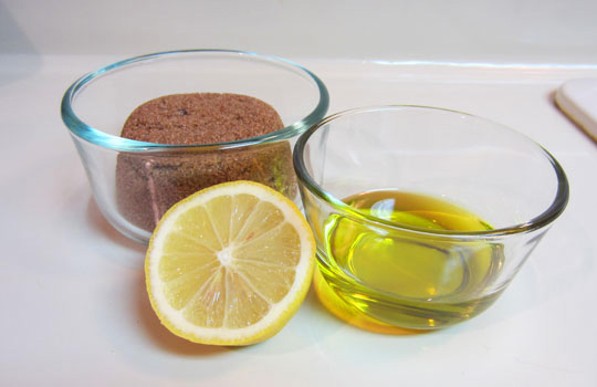 Sugar lemon foot scrub