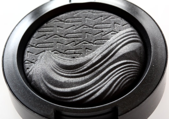 mac dark dare