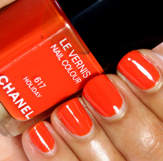 chanel holiday swatch