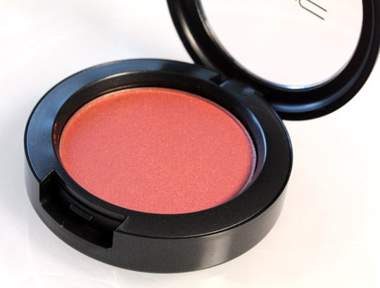 MAC Ambering Rose Sheertone Shimmer Blush