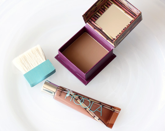 benefit ultra plush gloss hoola