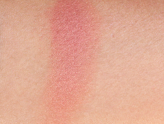 mac ambering rose blush swatch