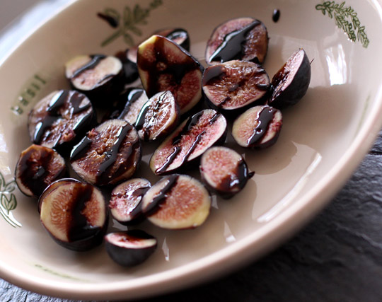 figs with balsamic glaze
