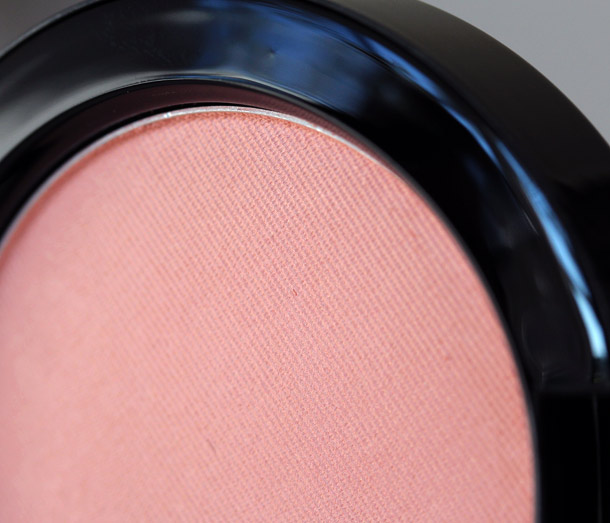 MAC Marilyn Monroe Legendary Blush closeup