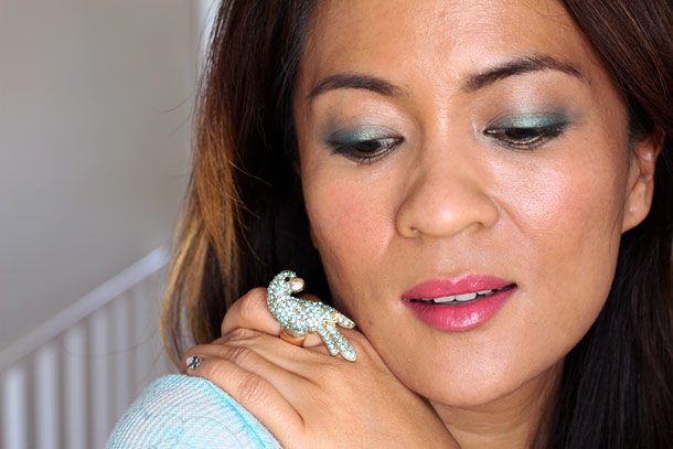wearing mac parrot eyeshadow and my new parrot ring