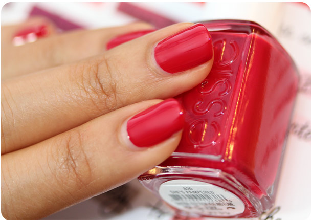 essie shes pampered swatch