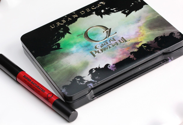 Urban Decay Oz Theodora Palette packaging