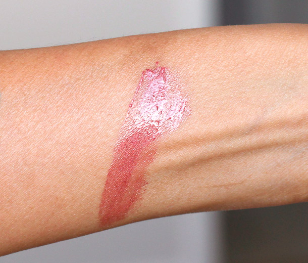 Chanel Rouge Double Intensite in Rose Pearl swatch