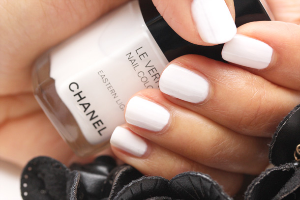 Chanel Eastern Light Le Vernis Nail Colour Picture Swatch 3
