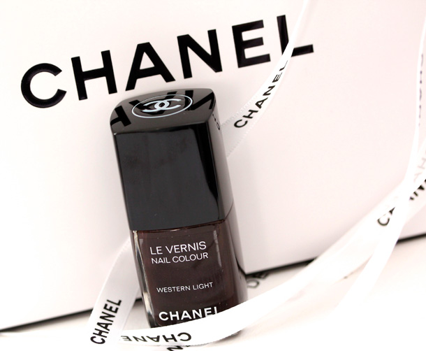 Chanel Western Light Le Vernis Nail Colour Picture Swatch 2