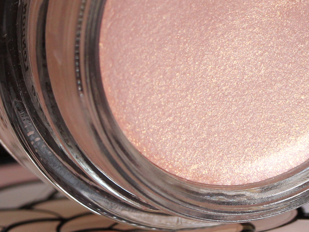 MAC Chilled on Ice Pro Longwear Paint Pot Closeup