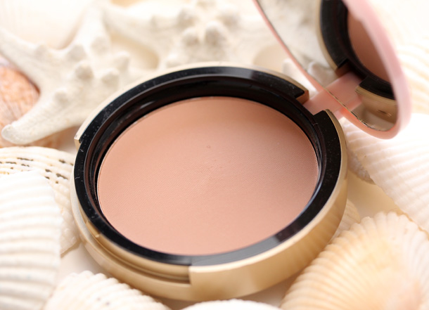 Too Faced Bronzed Poreless Pore Perfecting Bronzer 18