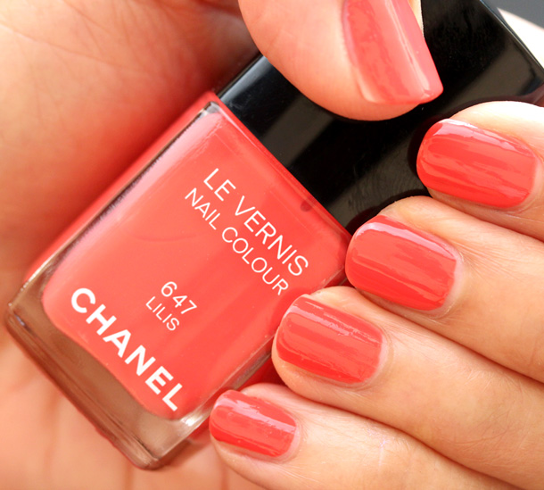 Chanel Lilis Nail Polish Swatch 2