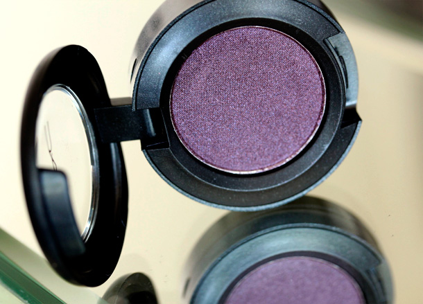 MAC Nudes & Metallics: Brazenly Eye Shadow