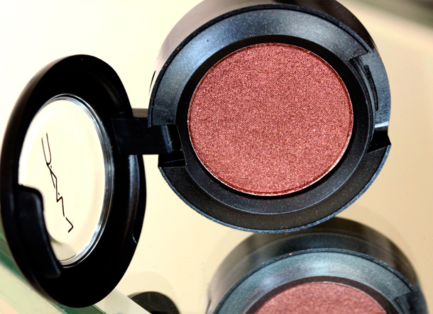 MAC Nudes & Metallics: Deep Fixation Eye Shadow
