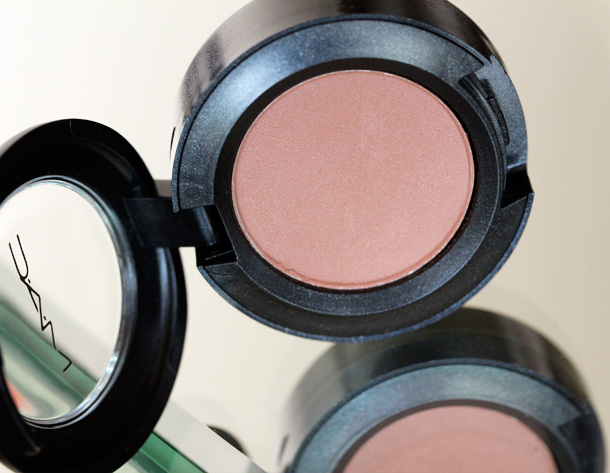 MAC Nudes & Metallics: Exposed Eye Shadow