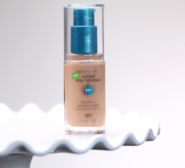 COVERGIRL Outlast Stay Fabulous 3-in-1 Foundation ($9.35)