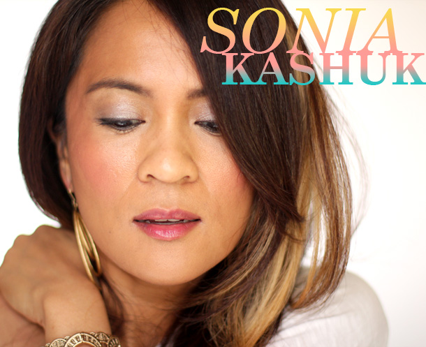 Sonia Kashuk Moisture Luxe Tinted Lip Balm in Hint of Berry