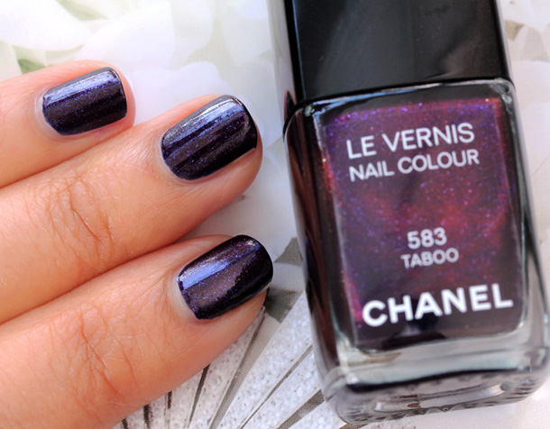 Chanel Taboo Le Vernis Nail Colour Swatch