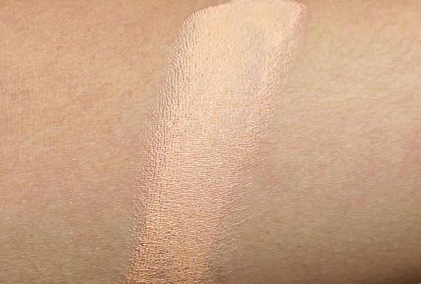Bobbi Brown Peach Corrector swatch