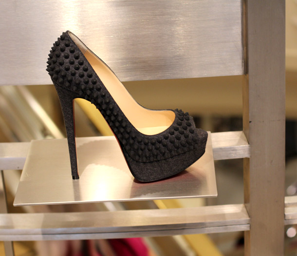 5 Indicted in Alleged Saks Fifth Avenue ID Theft Shopping Spree